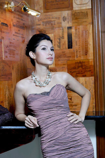 Thandar Hlaing - Fashion Queen in Myanmar