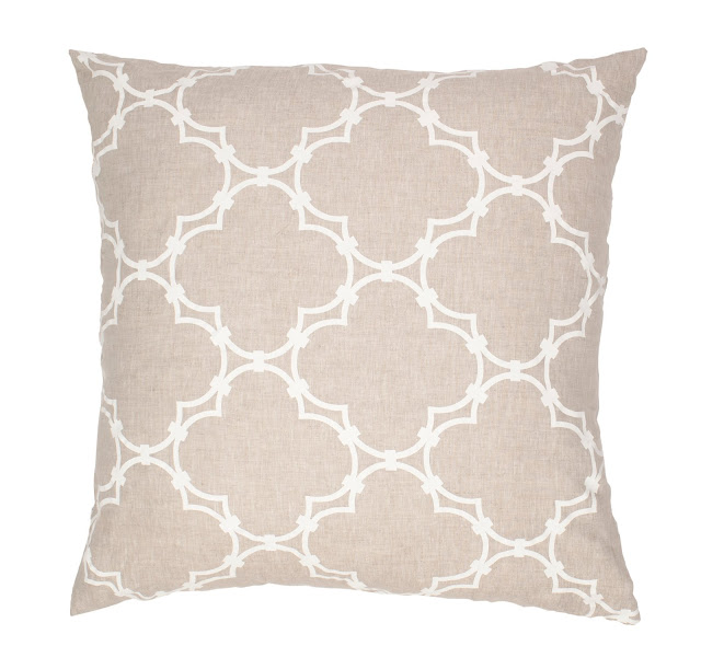 COCOCOZY Quatrefoil Natural Linen Pillow Cove