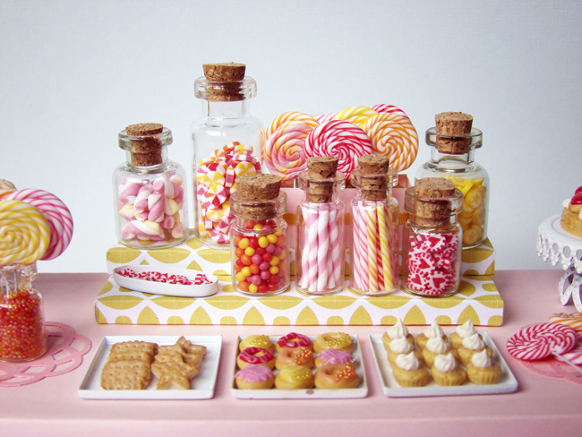 http://4.bp.blogspot.com/-uKVBKgH_5zE/Tlza6vkOU4I/AAAAAAAABUM/-vFudIrIenE/s1600/DessertTable_PinkCandy_2.jpg