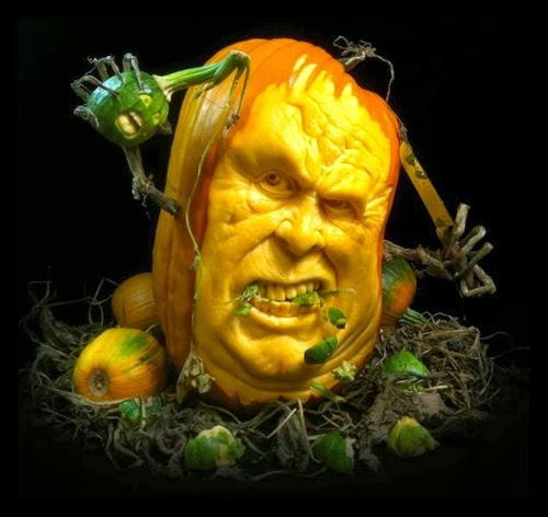 10-Halloween-The-Pumpkins-Villafane-Studios-Ray-Villafane-Sculpting-www-designstack-co