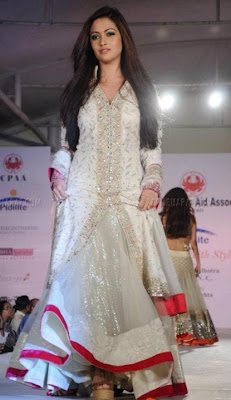 Latest Winter New Fashion Pakistan 2011-12,
