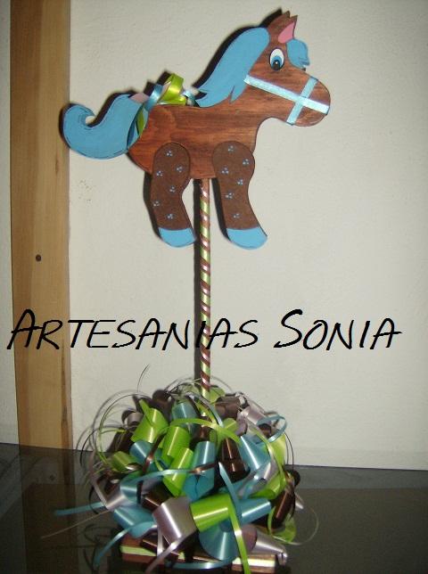 Artesanias Sonia: Caballito de Madera para Centro de mesa de Baby