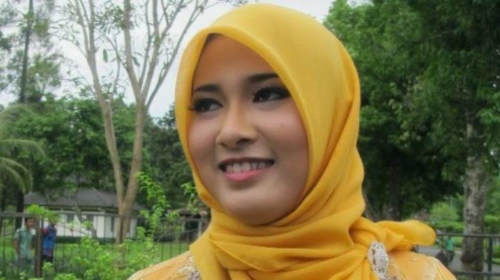 Yuk,Kenalan Dengan  Citra Wahidahtul Janah : Ratu Jamu Gendong Indonesia 2014