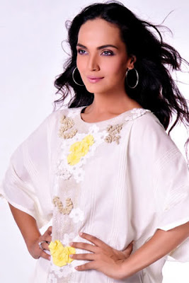 Pakistan Celebrities Amina Sheikh Looking Very Cute