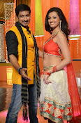 Hamsha Nandini Item Song in Loukyam-thumbnail-7