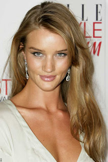 Rosie Huntington-Whiteley Photos