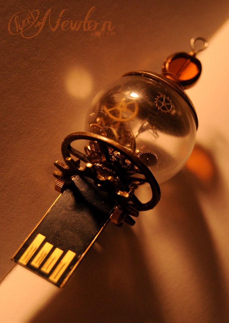 USB steampunk custom. ¡Ahora REPAINT! - Página 2 Steampunk_flashdrive_4gb_by_kerinewton-d4rdf2p+750