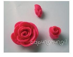 Rose DIY con piccoli petali di feltro
