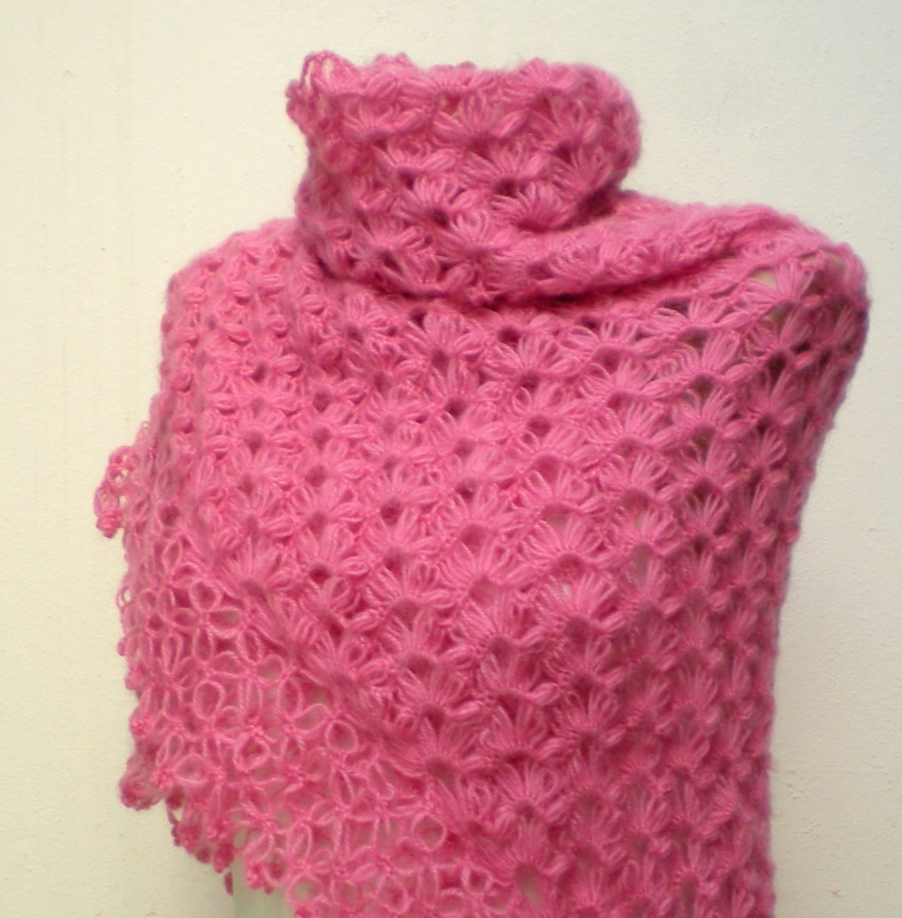 free knitting pattern: 2012 Knitting shawl patterns