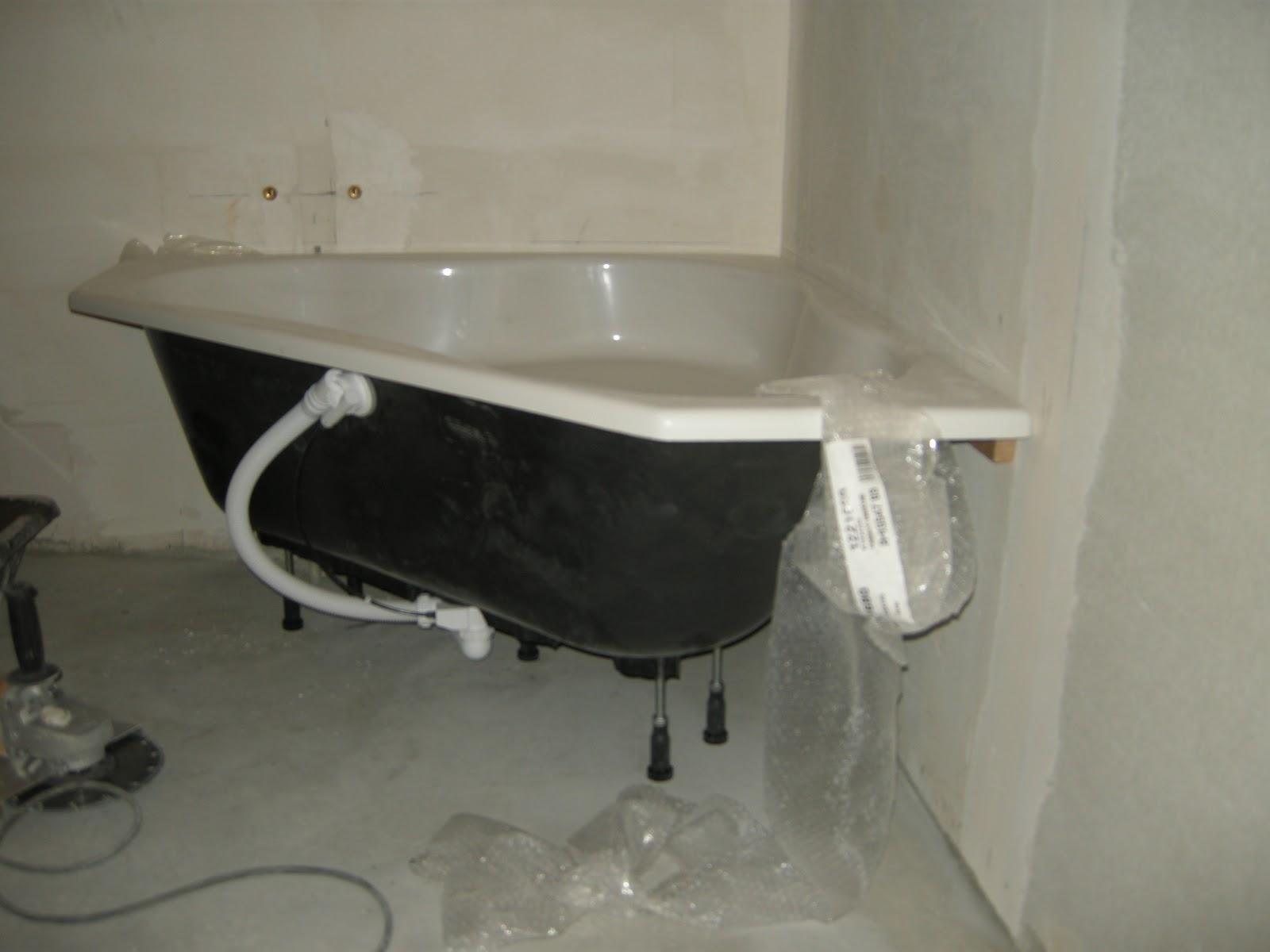 La maison du bonheur de m line tilan c line et beno t for Plomberie salle de bain au sous sol