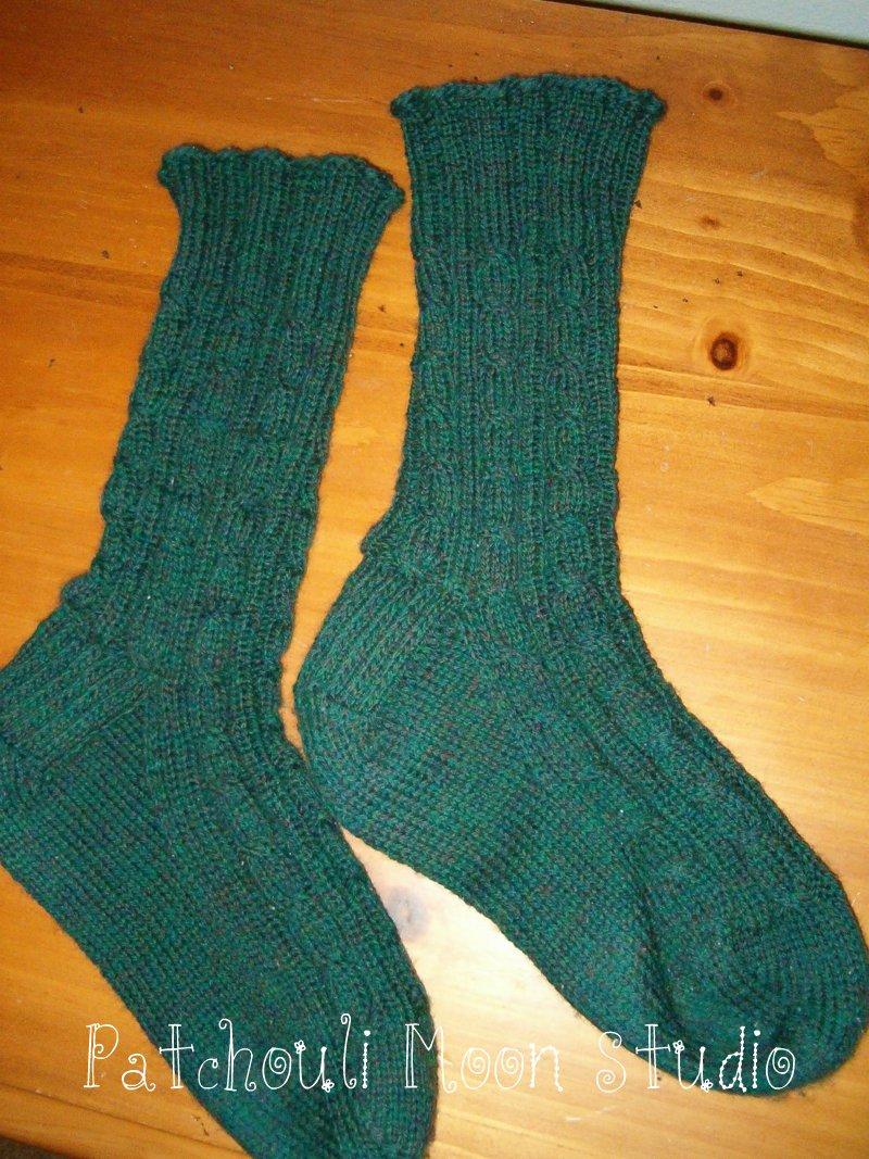 Knit Pattern For Moon Socks : Patchouli Moon Studio: Knit Socks