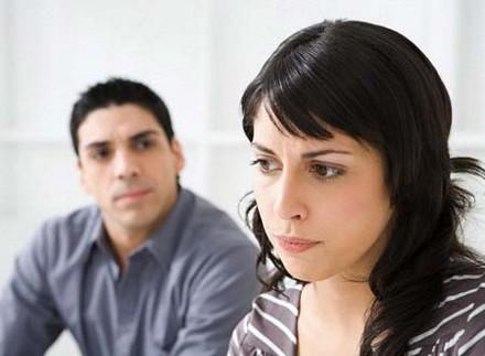 كيف اتعامل مع زوجتي العنيدة,امرأة حزينة فى الحب الخيانة المشاكل الزوجية الطلاق
