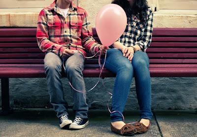 """""""O que traz alegria ao coração não é tanto o presente dado por um amigo e sim o amor deste amigo."""""""