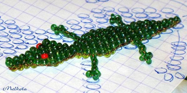 Крокодил из бисера объемный