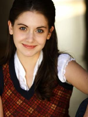 Alison Brie Fashionable Hairstyles 06