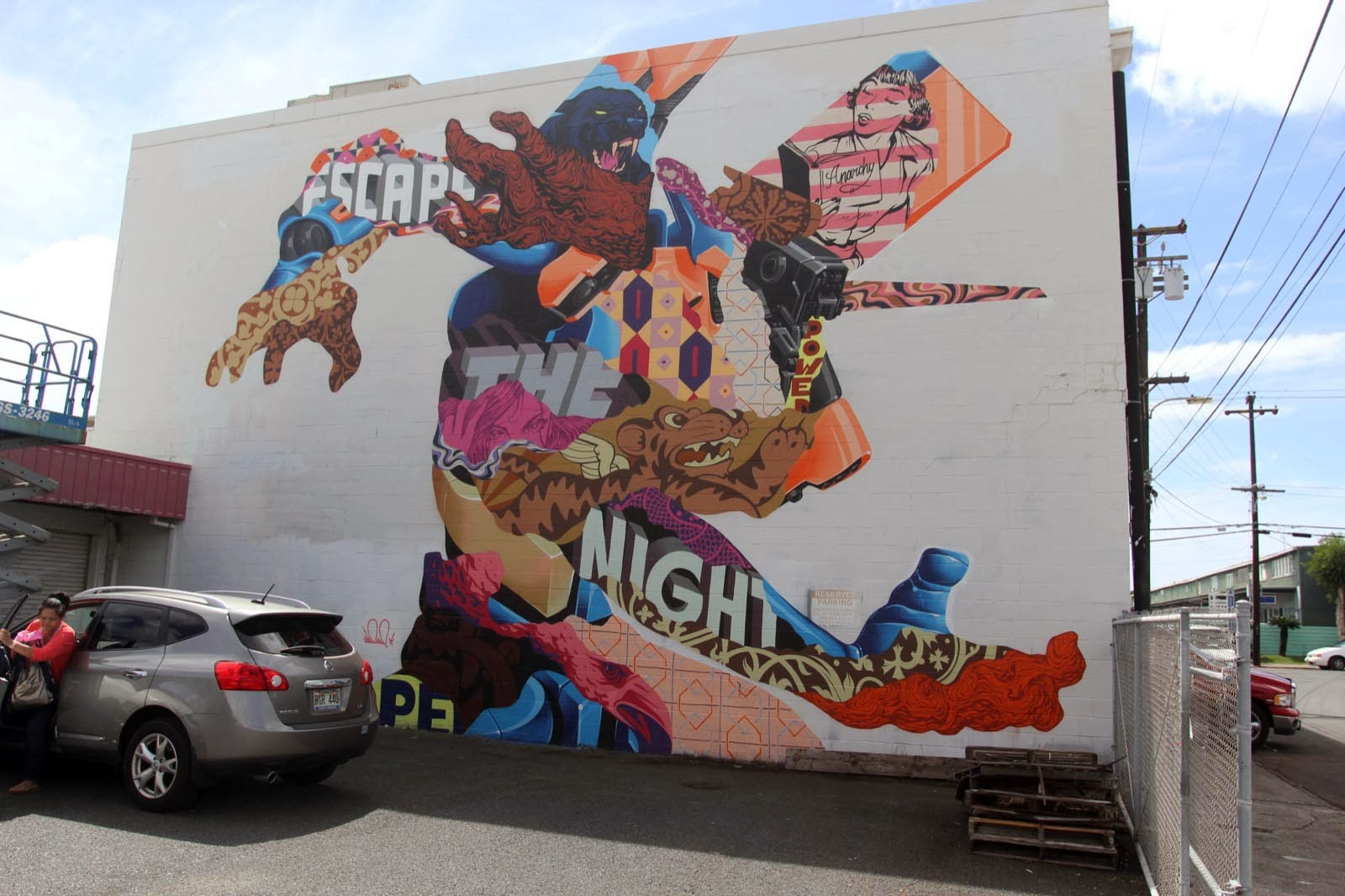 Tristan Eaton was also part of the line-up of POW! WOW! Hawaii 2014 where he spent a few days in Honolulu working on this massive street art piece. 1