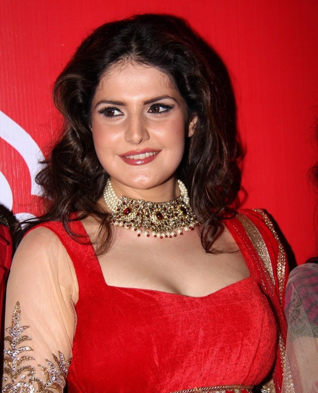 Bollywood Actress Zarine Khan Hot Ramp Walk At Hyderabad Fashion Week
