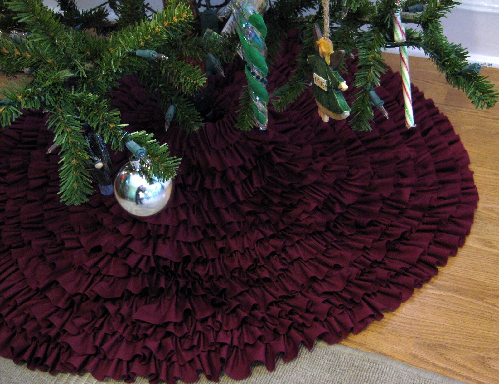 Making a living make no sew ruffle tree skirt