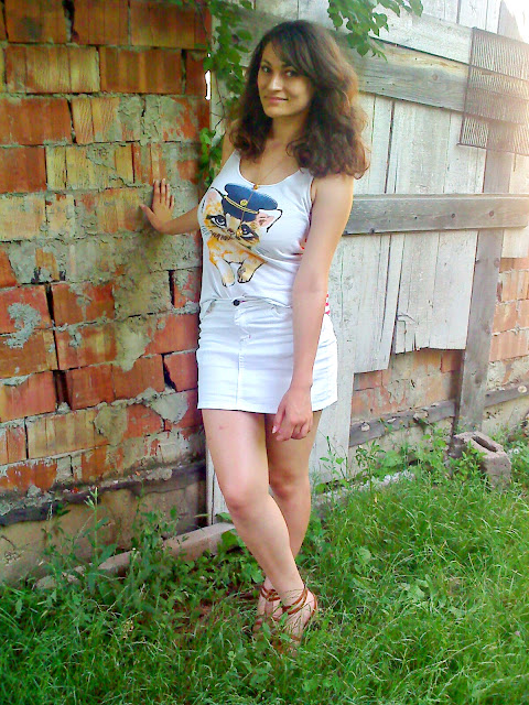 White Color Me Red By Roxana Ifrim Fashion And Style Blog