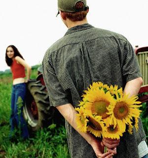 6 Cara Mudah Membuat Pria Jatuh Cinta