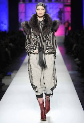 8-Jean-Paul-Gaultier-Autumn-Hiver-2010-2011-Collection-700x1024jpg