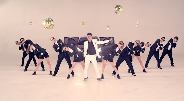 Coreografía de Im Chang-jung en el videoclip de Open the door (Abra la puerta)