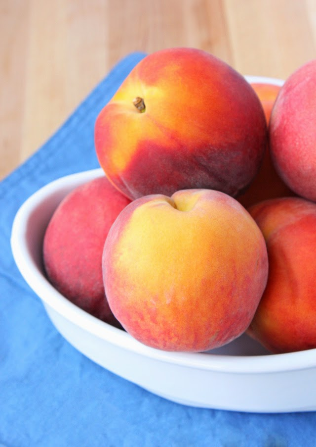 Easy grilled peach dessert recipe | Recipe by chelsa-bea.com #MyPicknSave #shop