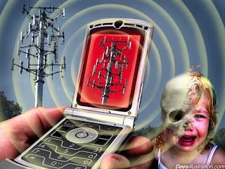 Radiação de torres de celulares causam danos à sistemas biológicos de aves, insetos e humanos
