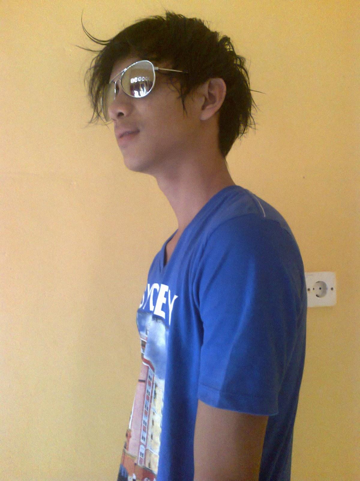profil fb: http://www.facebook.com/yhudie.akatshukhy
