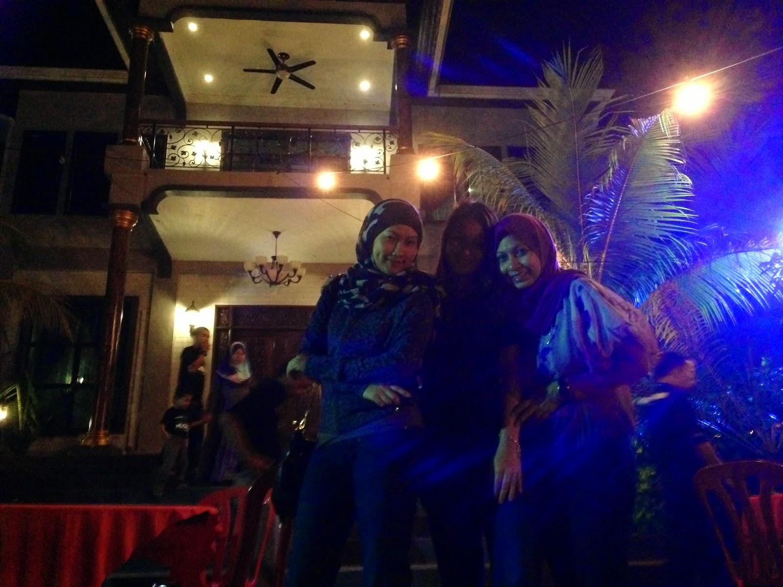 Puncak Mutiara Cafe owner's house