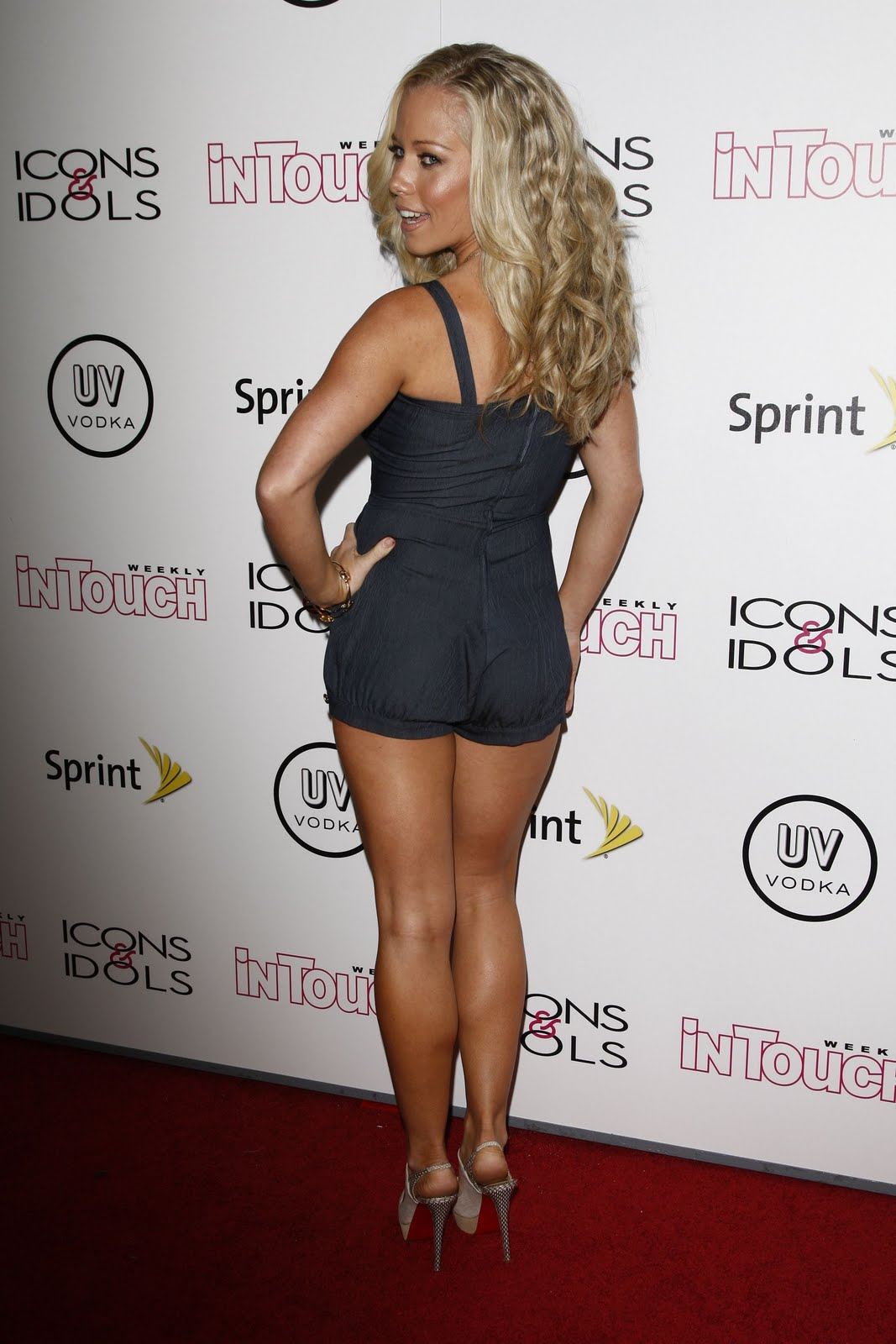 Kendra Wilkinson @ In Touch Weekly's Icons & Idols Celebration (2808