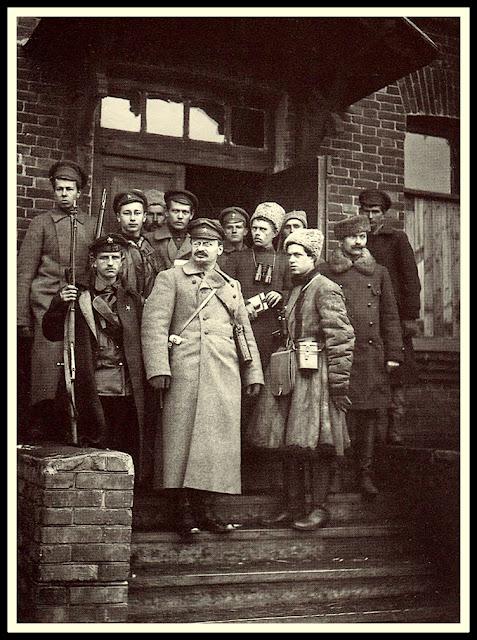 trotsky rusia bolchevique blindado guerra rusa