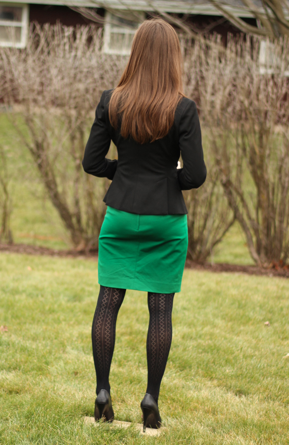 Green Skirt, Patterned Tights, Black Blazer | StyleSidebar