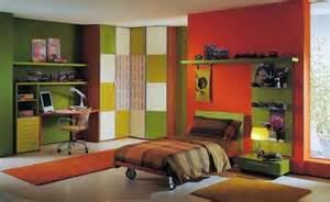 Janganlah memakai satu warna atau pola di semua ruang dengan mencampurkan serta mencocokkan warna, pola, barang lama serta baru serta beberapa barang mahal serta murah juga