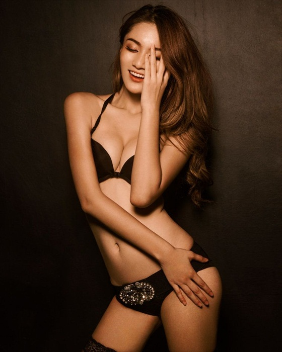 Wang Xi Ran in Lingerie
