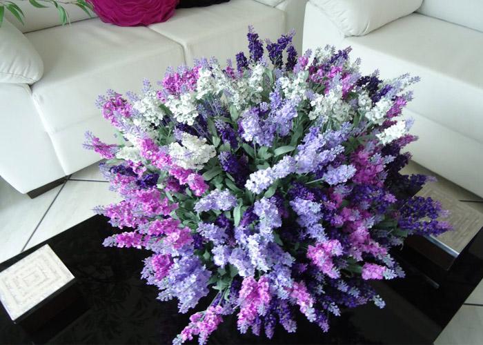 Harmonize flores e folhas com as cores da sua casa