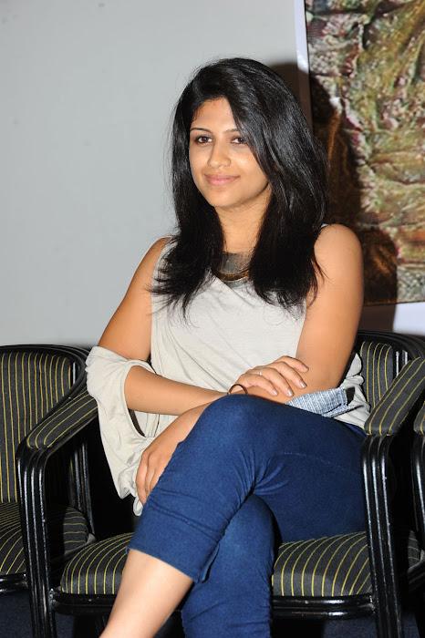 supriya beautiful actress pics