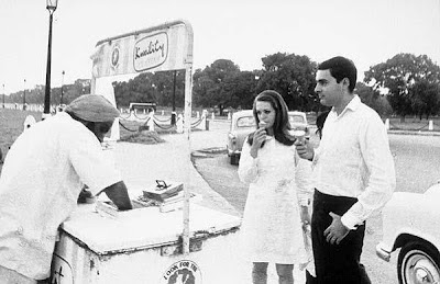 Italian Bar girl in India - Sonia Gandhi