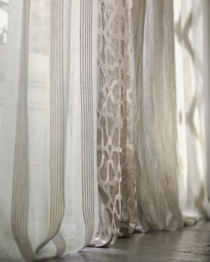 Ventanas que se visten con visillos for Cortinas y visillos salon