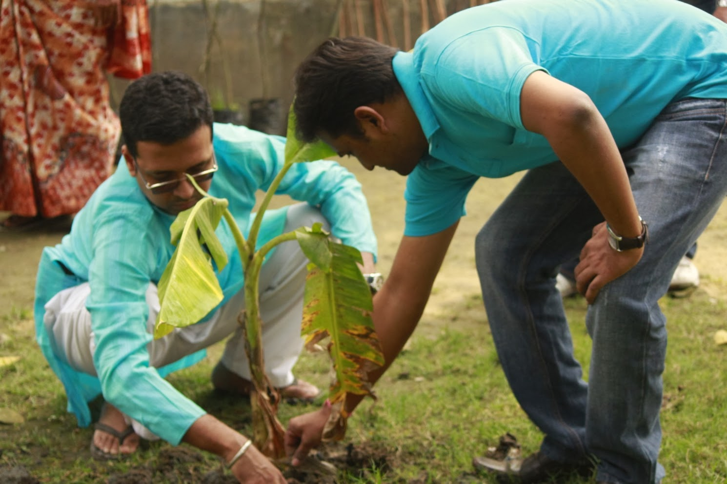 TIE Kolkata, Kolkata Tiecon 2014, Archan Deb planting fruit trees with Sustainable Green Initiative at SPCI, Kolkata