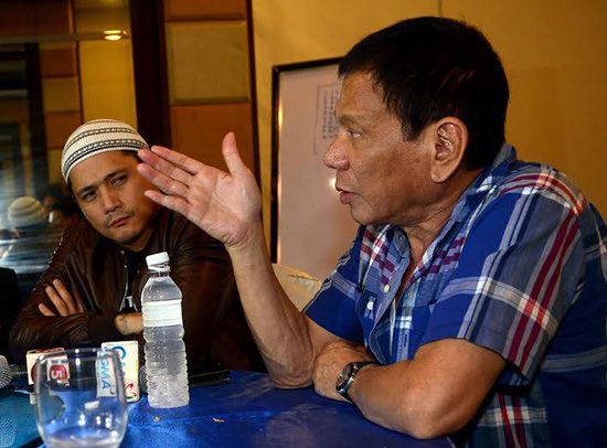 Veteran actor says 'How long will I refrain,' about ARMM's support for Mar Roxas