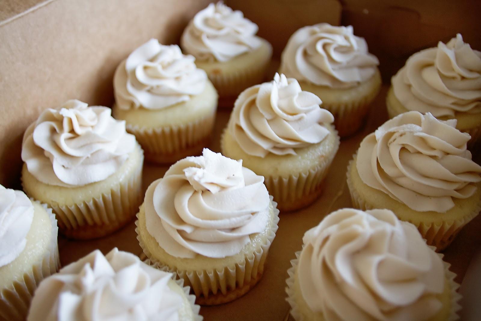 Simply Cupcakes: Carrot Cake and Caramel Pecan Cupcakes