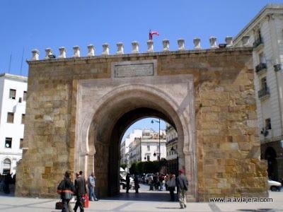 Puerta Francia, Medina Tunez