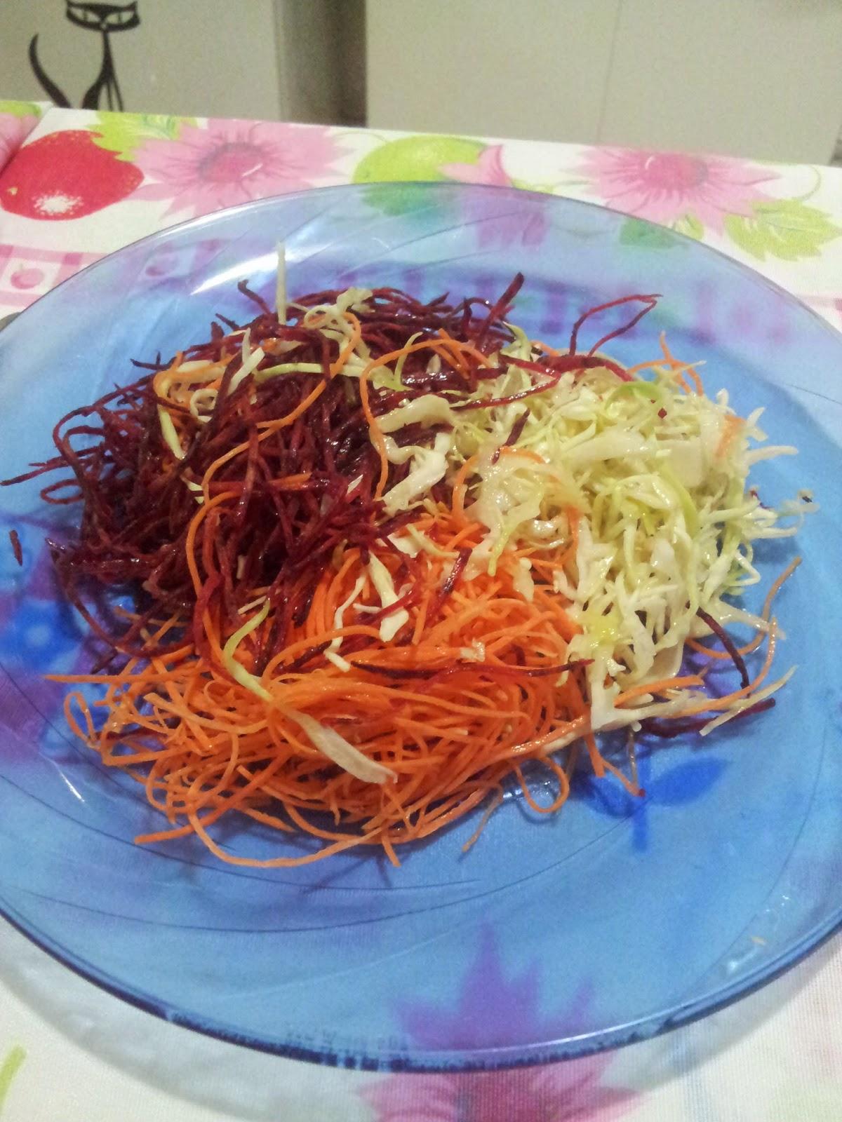 salada ralada cenoura repolho beterraba