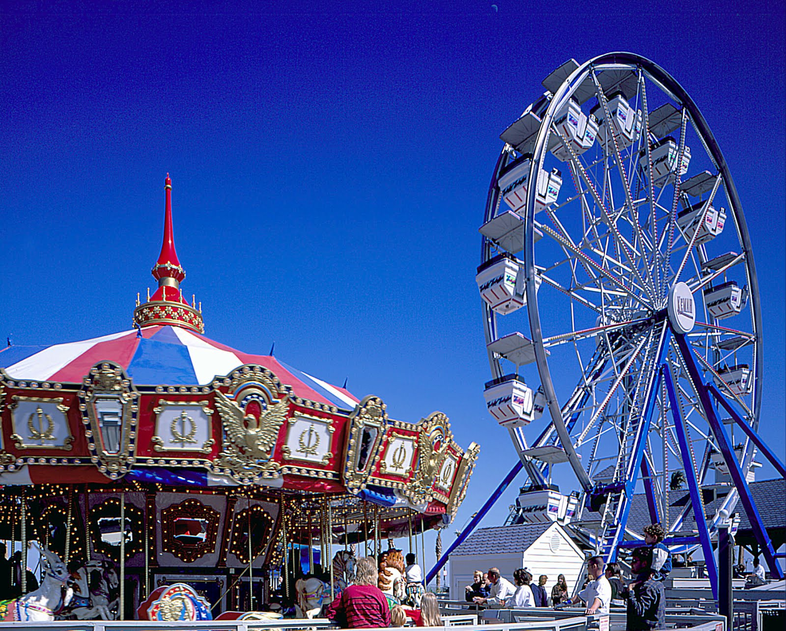 Heather paris have fun at an amusement park for Amusement parks in paris