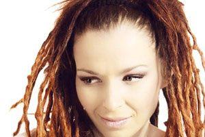 """Rona Nishliu canta  """"Suus"""" al Eurovision Song Contest 2012"""