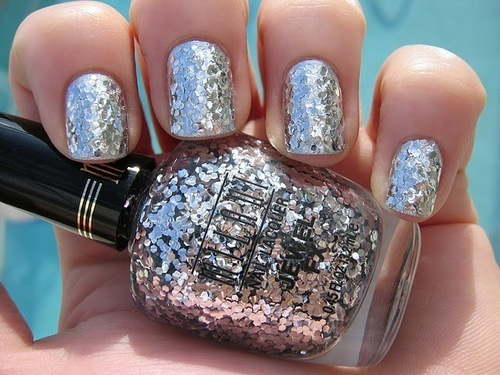 glitter nails