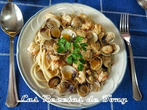 Espaguetis Con Almejas Y Langostinos
