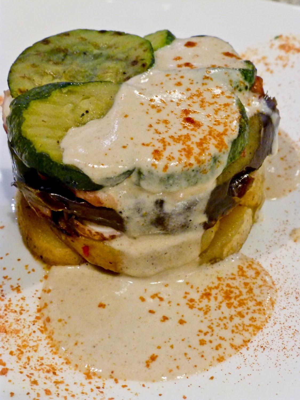 Ensalada de Pulpo con verduras, patata confitada. Muselina de Hongos