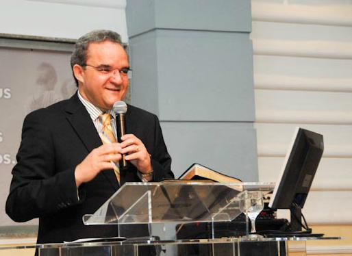 Pastor Abner Ferreira